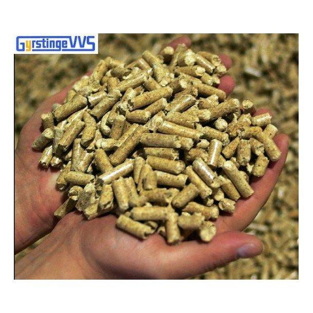 2 pl. 8 mm træpiller i poser á 15 kg (1800kg.)
